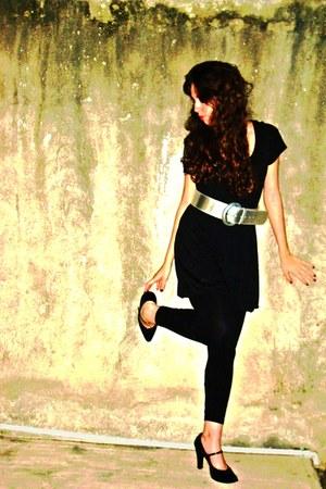 black tights black shoes