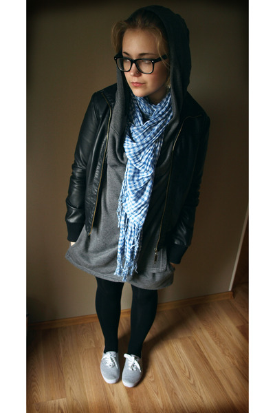 gray shoes - black leggings - gray dress - black jacket - blue scarf - black gla
