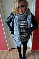 black Jacket jacket - brown Sweater sweater - gray scarf scarf - black tights le