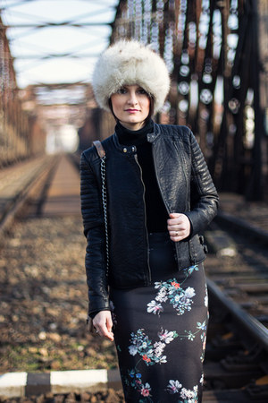 black Mango jacket - silver hat - navy Mango skirt