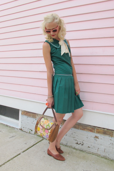 teal 60s dropwaist vintage dress - brown vintage shoes