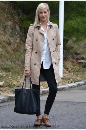 nude Massimo Dutti coat - black Mango bag - white Zara blouse - black Zara pants