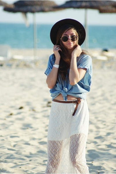 white lace HereJ skirt - blue Stradivarius shirt