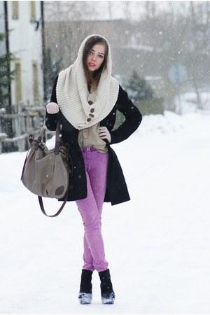 Solar bag - TK Maxx shoes - H&M coat - H&M shirt - Bershka scarf