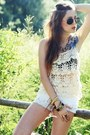 Ivory-stradivarius-shorts-off-white-crochet-romwe-clogs