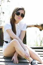 white Secondhand shorts - ivory Secondhand shirt