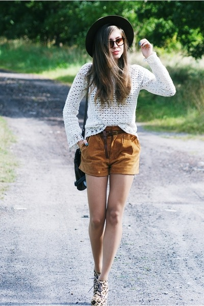 vintage shorts - DIY sweater - leopard Fleq wedges
