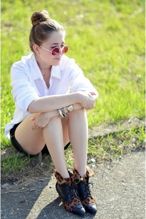 vintage shoes - pink sunglasses