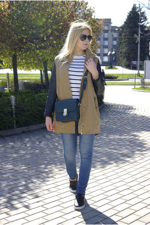 black Ray Ban sunglasses - navy Forever 21 jeans - tan Sheinside jacket