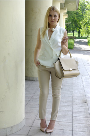beige Chicwish bag - white Frontrowshop vest - beige Lovelyshoes heels