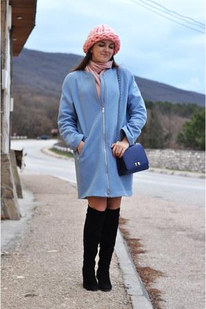 black Luciano Carvari boots - sky blue Steilmann coat