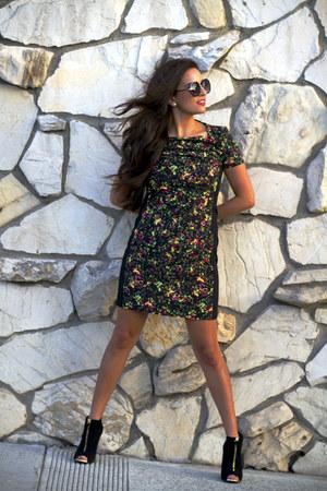Target boots - Target dress - Le specs sunglasses - kate spade earrings