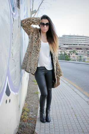 black suiteblanco leggings