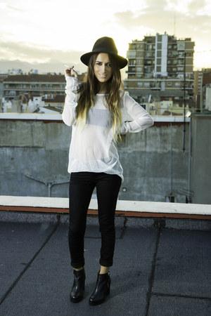 black Bershka jeans