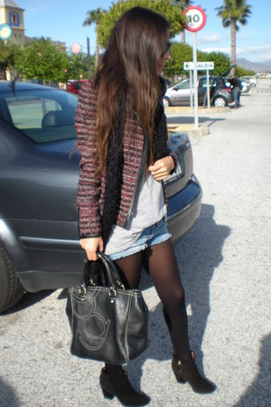 black Zara boots - crimson Zara jacket - black Purificacion Garcia bag
