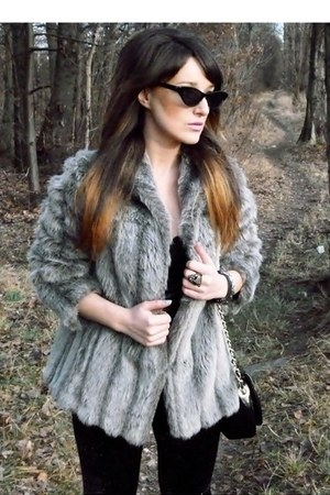heather gray artificial fur second hand coat - black Topshop top