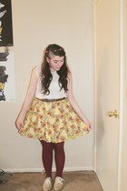 light yellow floral print Poshmark skirt - maroon tights