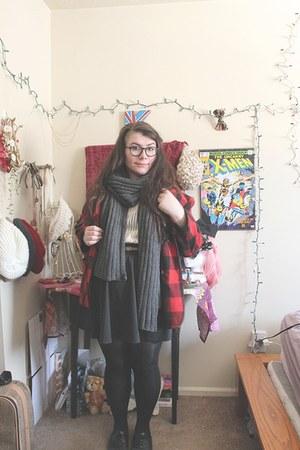 black skater Vinted skirt - brick red plaid vintage coat