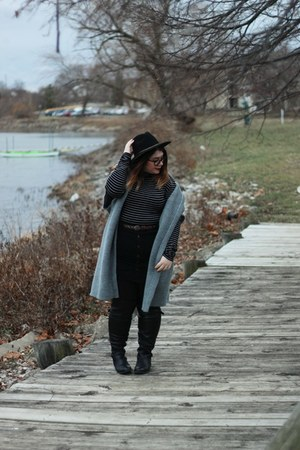 black boots - gray kimono sweater - black button up skirt - black turtleneck top