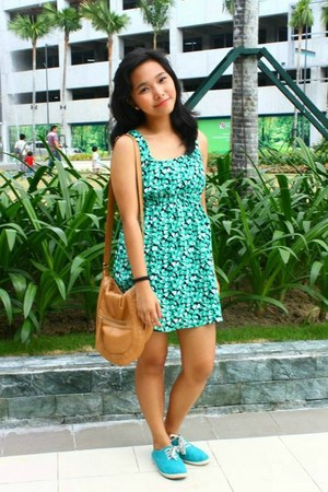 Forever 21 bag - Dorothy Perkins dress - Forever 21 sneakers