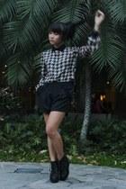 black Forever 21 shorts - black Topshop blouse - black Forever 21 wedges