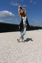 white H&M t-shirt - blue DIY from Stradivarius jeans - black Zara vest - beige B