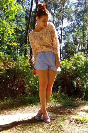light pink Zara sweater - light blue Oysho shorts - light pink Pimkie sneakers