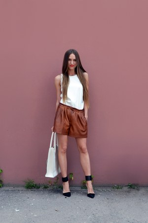 dark brown faux leather Zara shorts - cream faux leather Zara top