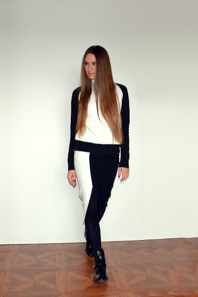 black asos boots - black asos skirt - white Zara sweatshirt