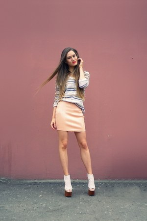 peach H&amp;M skirt - nude Jeffrey Campbell shoes - neutral Oasis sweater