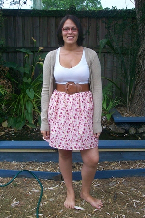 cotton on - skirt - Temt belt - Sportsgirl t-shirt