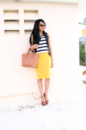 mustard pencil skirt Forever 21 skirt - tawny JustFab bag