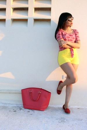 ruby red fruit print Charlotte Russe shirt - yellow high waisted Zara shorts