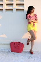 ruby red fruit print Charlotte Russe shirt - yellow high waisted Zara shorts