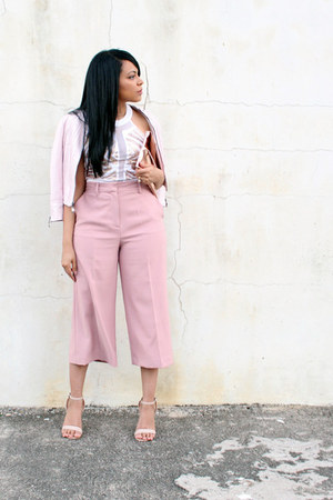 ivory sequined Bebe top - light pink culottes Zara pants