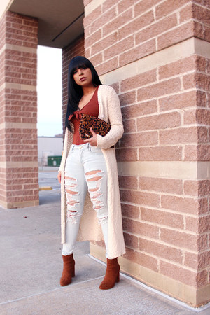 tawny bow American Eagle top - ivory maxi Forever 21 cardigan