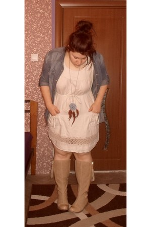 camel Paolo Boticelli boots - cream Thrift Store dress