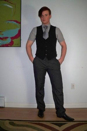 black Aldo shoes - heather gray Old Navy shirt - heather gray DKNY tie - heather