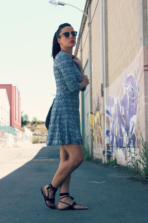 sky blue Lefties dress - black Lefties sandals