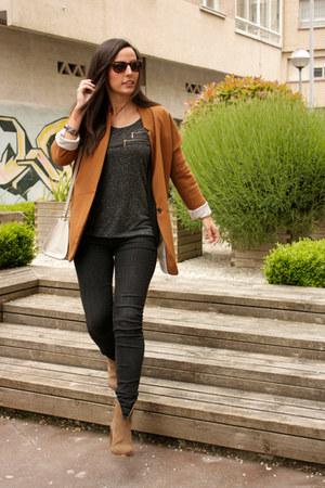 camel Zara boots - dark gray Zara jeans - gray Bershka shirt