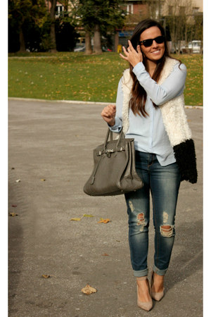 navy Stradivarius jeans - white Lefties blazer - neutral Deichmann heels
