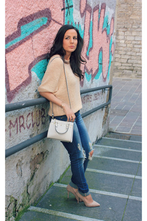navy Stradivarius jeans - off white Zara bag - light pink Deichmann heels