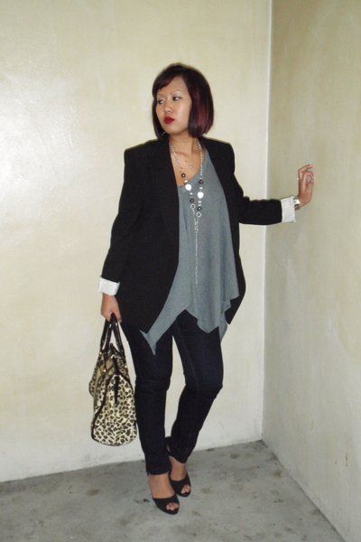 Zara blazer - flea market top - Uniqlo jeans - Charles & Keith shoes - Chomel ne