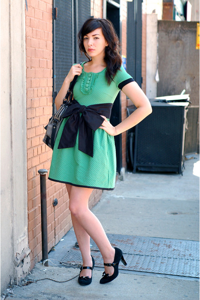 green H&M dress - black postlapsaria belt - black Target shoes
