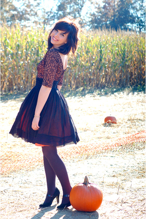 black vintage dress - black Target shoes - black tights