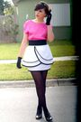 Pink-blouse-white-postlapsaria-skirt-black-vintage-gloves