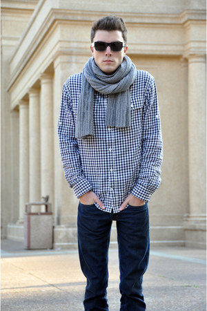 Pull  Bear shoes - Levis jeans - French Connection shirt - Express scarf - Burbe