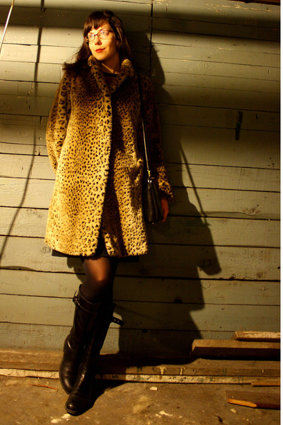 black vintage dress - brown thrifted vintage coat - black Stonefly boots - black