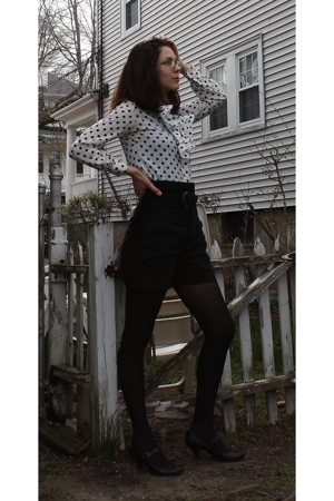 thrifted blouse - thrifted belt - forever 21 shorts - American Apparel tights -