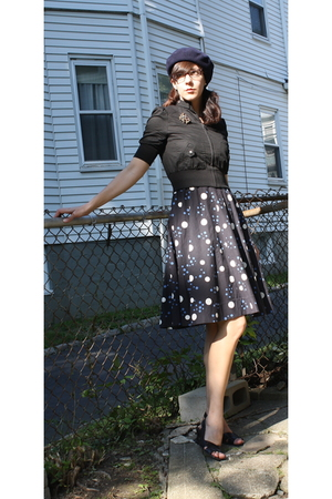 vintage dress - f21 jacket - vintage hat - DSW shoes - vintage accessories - gif